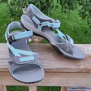 9 Merrell Grey Blue Active Sandals